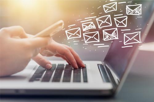Hogyan hajózzunk az olvasatlan emailek tengerén?