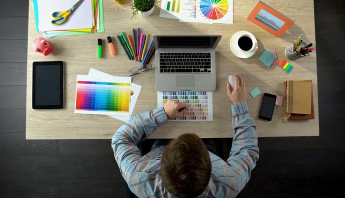 Szakmák világa – Mit csinál egy borítótervező?
