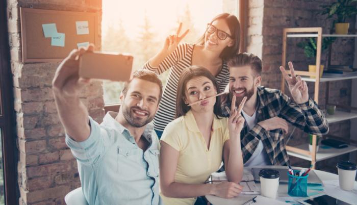Kapcsolódás a munkahelyen – nehézségek és megoldások