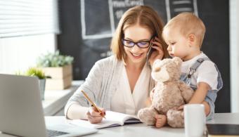Milyen esélyekkel indul a munkaerőpiacon egy kismama?