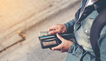 6 jel arra, hogy nem bánunk jól a pénzzel