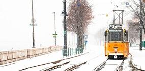 Késés havazás miatt: baj lehet belőle?