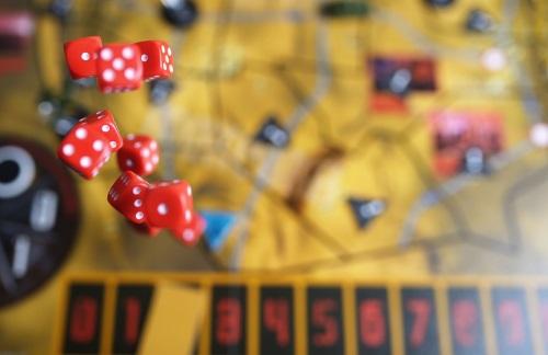 Játsszunk komolyan: kompetenciafejlesztés társasjátékkal - munka, nyár, játék