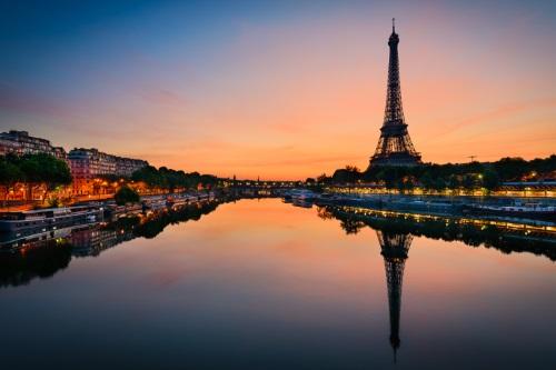 Gyakornokként Párizsban - munka, karrier, gyakornokság