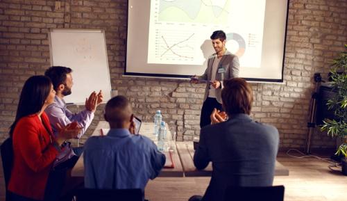 Ahogy a profik csinálják: a sikeres prezentáció 3+1 titka - munka, prezentáció, felkészülés